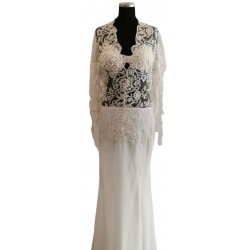 White bold lace long sleeved